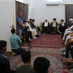 سماحة المرجع الديني الكبير السيد الحكيم (مدّ ظلّه) يحث الشباب على استثمار الفرص للتزود بالثقافة الإسلامية الأصيلة