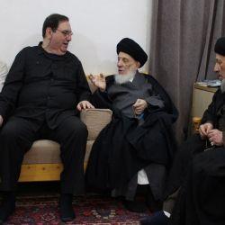 سماحة المرجع الكبير السيد الحكيم (مدّ ظله) يدعو السفراء إلى رعاية مصالح العراقيين في الخارج، والاهتمام بشؤون المسلمين الراغبين بزيارة المراقد المقدسة